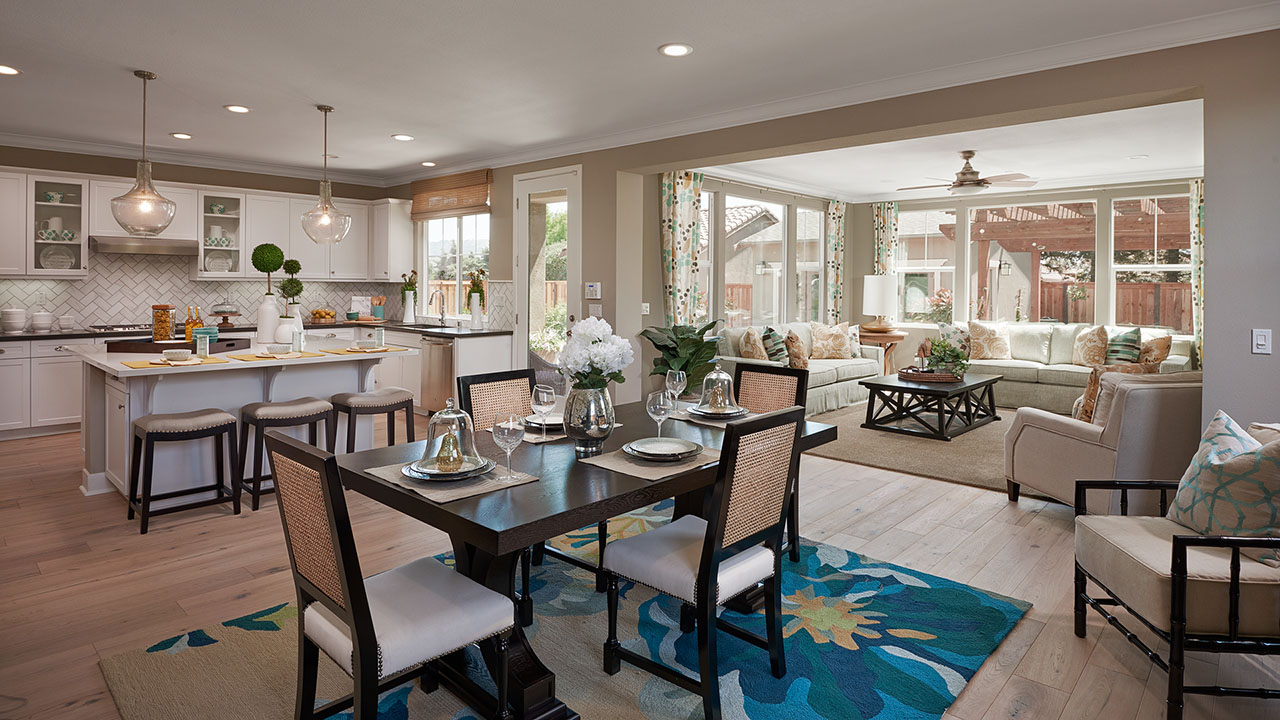 Morgan Hill Solera Ranch Kitchen & Dining Area